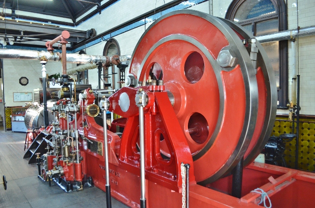 Hathorn_Davey_1894_Pumping_Engine-geograph-3090561-by-Ashley-Dace