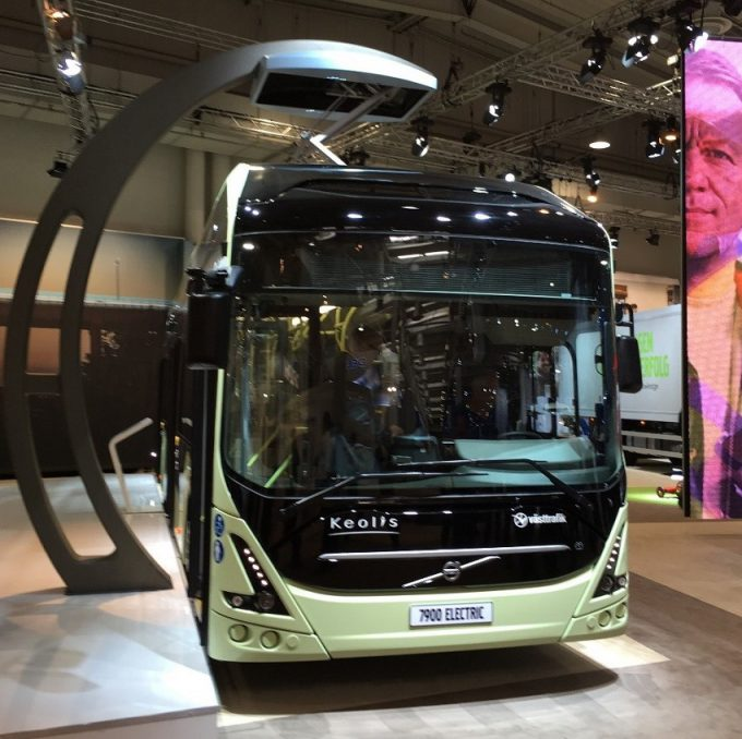 (Volvo 7900 Electric with the pylon charging the bus)